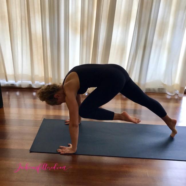 yoga plank variation | www.jackieunfiltered.com