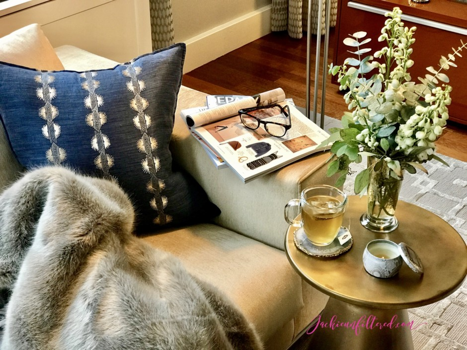 Creating home and office reading nooks | www.jackieunfiltered.com