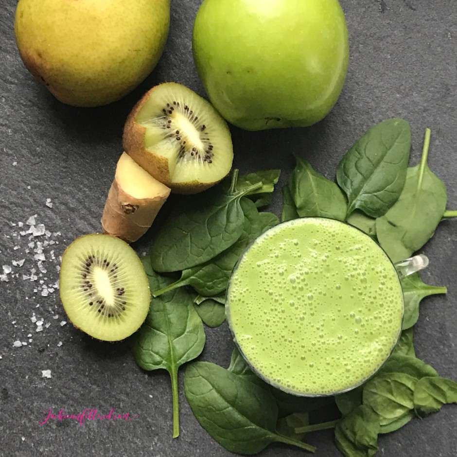 Green Monster Revitalizing Smoothie Recipe | www.jackieunfiltered.com