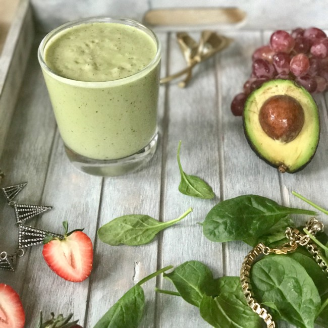 Avocado Spinach Vanilla Milkshake | https://www.jackieunfiltered.com/?p=2737&preview=true